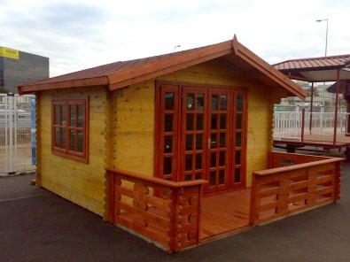 Brighton Log Cabin With Verrandah