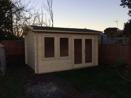 Iris Log Cabin Installatiom