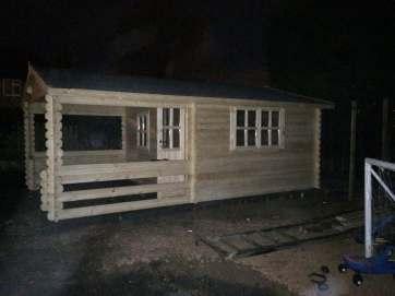 roy hot tub cabin