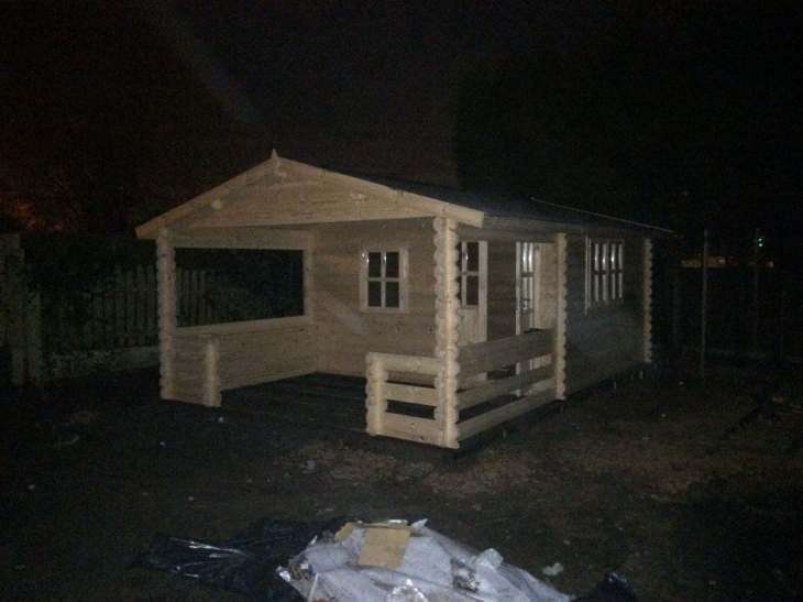 Roy log cabin finished installation